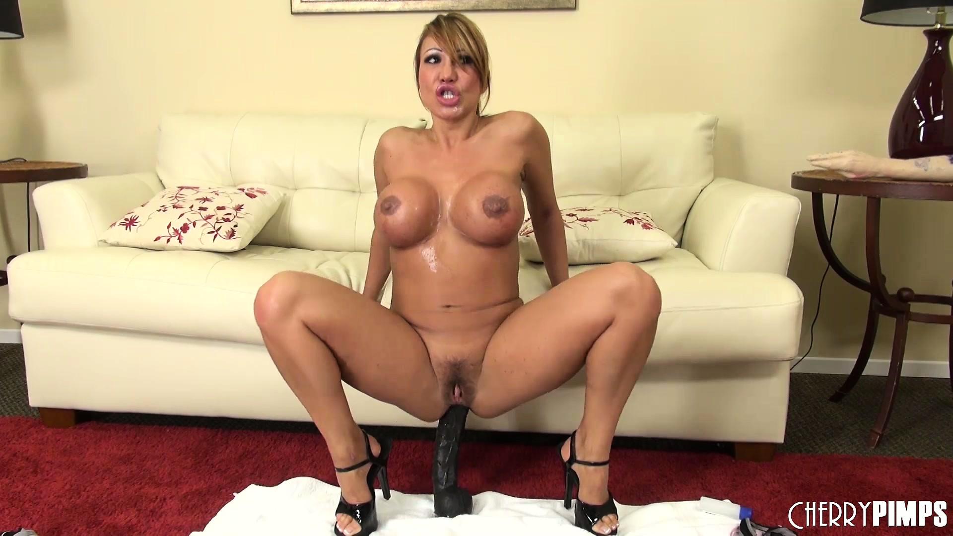 Sexy ass pussy skirt
