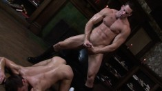 Hung guy in black boots gives his lover the anal drilling he deserves