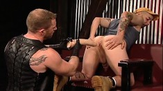 Cute guy gives a blowjob and invites his boyfriend to stretch his ass
