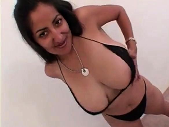 XXX Video Intiassaamature musta valkoinen suku puoli