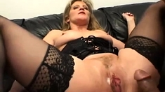 Smutty mature lady enjoys hardcore double penetration
