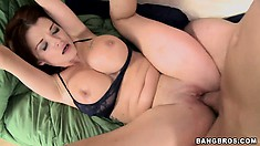 Spreading those legs wide open, her sexy body trembles with joy as her cunt gets pounded deep