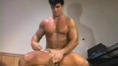 Big muscular hunks with great cocks make each other moan loudly